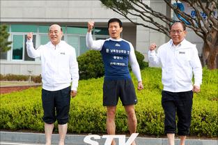 광양 출신, 맨발의 사나이 조승환 '맨발로 얼음 위 오래 서 있기' 세계기록 도전