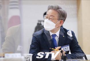 """친문이 경선연기론 꺼내자 친이 """"자해행위"""" 반발"""